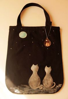 Hand Painted Tote Bag by zeyc on Etsy Fabric Paint Shirt, How To Dye Fabric, Fabric Painting, Painted Bags, Hand Painted, Cat Bag, Simple Bags, Cotton Bag, My Bags