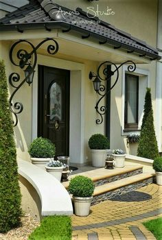 Classic House Exterior, Classic House Design, Modern House Design, House Arch Design, Front Door Design, Front House Landscaping, Backyard Patio Designs, Model House Plan, My House Plans