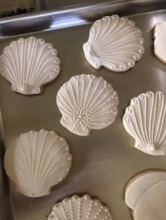Cut Out Cookies, Fun Cookies, Decorated Cookies, Iced Sugar Cookies, Royal Icing Cookies, Cookie Designs, Cookie Ideas, Seashell Cookies, Beach Dessert