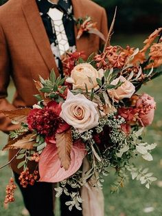 Perfect Fall Wedding Bouquet Ideas for Autumn Brides wedding flower – Wedding ideas Spring Wedding Bouquets, Bridal Bouquet Fall, Fall Bouquets, Fall Wedding Bouquets, Fall Wedding Flowers, Bride Bouquets, Bridal Flowers, Red Wedding, Wedding Vows