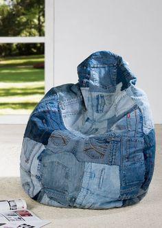 A beanbag cover made from jeans! Jean Crafts, Denim Crafts, Bean Bag Pattern, Denim Furniture, Artisanats Denim, Denim Ideas, Recycle Jeans, Little Designs, Handmade Bags