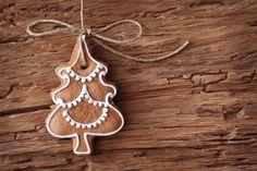 Hoje temos a melhor de todas as receitas de bolachas de Natal, e você poderá aproveitá-la para comer em família. Esta é uma das receitas mais tradicionais de bolachas natalinas e tenho certeza de que vocês irão adorar. Não duvidem em experimentá-la e saibam que podem preparar algumas destas bolachas para dar de presente no Natal.