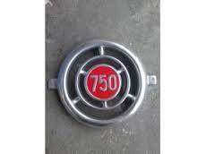 Znak za Ficu 750 prednji sa brkovima komplet )60 evra(zastaava 750 )