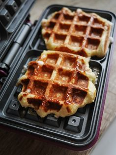 Breakfast Dishes, Best Breakfast, Waffle Recipes, Vegan Recipes, Pancake Recipes, Biscotti, Belgian Food, Waffle Cake, Brunch Spots