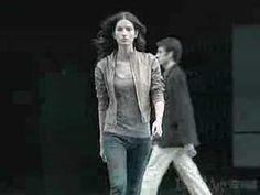 "Levi's ""Straight Walk"" (female version) skinny jeans tv commercial (2006)."