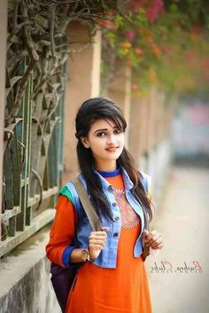 Look Your Absolute Best With These Beauty Tips Dehati Girl Photo, Girl Photo Poses, Beautiful Blonde Girl, Beautiful Girl Photo, Stylish Girls Photos, Stylish Girl Pic, Cute Girl Poses, Cute Girl Photo, Most Beautiful Indian Actress