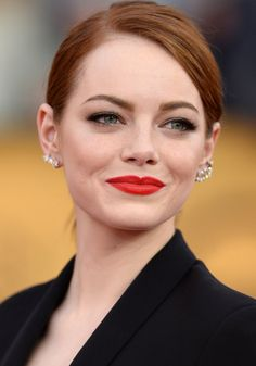 Celebrities - Emma Stone Photos collection You can visit our site to see other photos. Emma Stone Style, Redhead Makeup, Hair Makeup, Actress Emma Stone, Ginger Girls, Beautiful Actresses, American Actress, Red Hair, Redheads