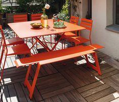 Salon de jardin, table Cargo, chaises Facto, banc Origami Fermob