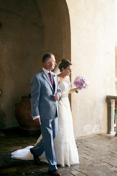 The Bride & her Father make their way to the wedding ceremony. Groomswear by Louis Copeland & Sons. Photography by: Ros from Couple Photography. Wedding Blog, Wedding Photos, Real Weddings, Destination Weddings, Wedding Couples, Couple Photography, Wedding Ceremony, Romantic, Tuscany Italy