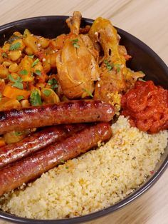 Couscous poulet et merguez facile Easy Chicken and Merguez Couscous: Easy Chicken and Merguez Couscous Recipe – Marmiton Fish Recipes, Chicken Recipes, Egyptian Food, Good Food, Yummy Food, Quick Healthy Breakfast, Exotic Food, Food Inspiration, Plated Desserts