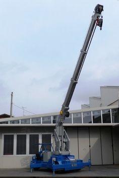 Minidrel 250B Gruniverpal, elektromos önjáró mini daru. Használat különböző iparágakban. Maximális terhelhetőség 25 000kg. Heavy Equipment, Wood Work, Minion, Cn Tower, Crane, Woodworking, Building, Crawler Crane, Gadgets