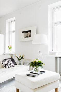 http://koti.ts.fi/lempipaikalla/kotiesittely-kaunista-valkoista/