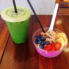 green juice and acai bowl #healthy #fitness