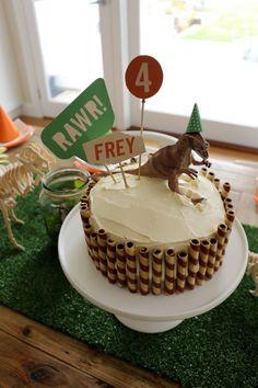 Frey's Dinosaur Party – Pink Milk & Ponies Bolo Dino, Dinosaur Birthday Cakes, Dinosaur Dinosaur, Dinosaur Cake Easy, Dino Cake, 3rd Birthday Parties, 4th Birthday, 4 Year Old Boy Birthday, Birthday Ideas