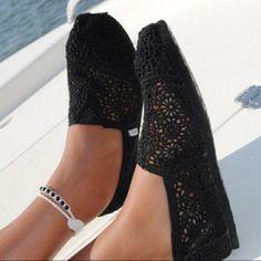 Black Lace TOMS