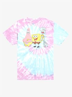 They're neighbors and the best of friends! Well Squidward may disagree on the friend part. This pastel tie-dye tee from SpongeBob SquarePants features Patrick SpongeBob and Squidward on the front. Please note: wash pattern may vary. Dye Shirt, Tie Dye T Shirts, Blusas Oversized, Oversized Tee, Spongebob Shirt, T Shirt Painting, Square Pants, Pastel Tie Dye, Wall Ornaments