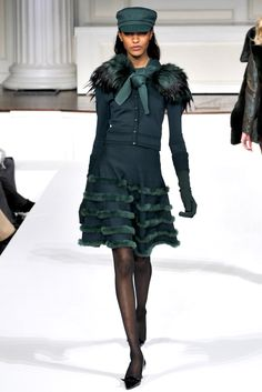 Oscar de la Renta Fall 2011 Ready-to-Wear Fashion Show - Jourdan Dunn Diva Fashion, Couture Fashion, Runway Fashion, Fashion Show, Street Fashion, Day Dresses, Evening Dresses, Ready To Wear, Autumn Fashion