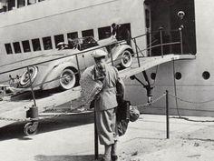 Autoverladung am Pillauer Seedienst-Kai. Foto 1930er Jahre.