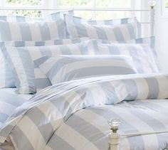 I love this pottery barn bedding<3