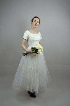 50s wedding dress / vintage 1950s wedding dress / by BreanneFaouzi, $255.00