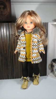 Nuevo modelo de otoño-invierno. ,,!   Precio del conjunto completo , abrigo, vestido, medias y botas de piel 35€                          ... Ropa American Girl, American Girl Clothes, Doll Clothes Patterns, Clothing Patterns, Pram Toys, Nancy Doll, Fun Diy Crafts, Sewing Dolls, Cute Dolls