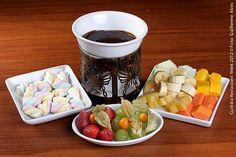 Le Rechaud (jantar)  Fondue de Caramelo  Fondue de Caramelo, acompanhado de frutas da estação e marshmallow