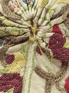 Top Stitching and Gathering Detail on an English Woman's Coif, circa 1590-1610