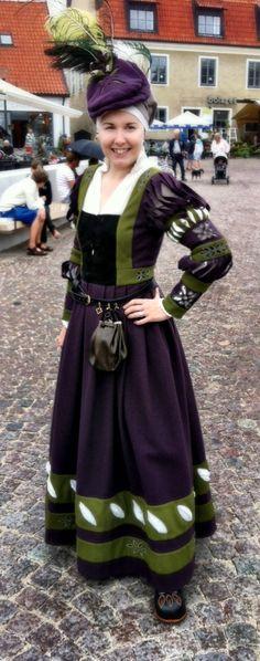 Beautiful Ren Dress with Slits