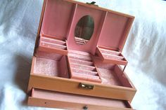 Vintage Pink Mele Jewelry Box by EndlessC on Etsy, $10.00