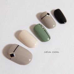 blocking / brown / camel / fashionable / invited / travel / going out / fall / winter New Year's Nails, Love Nails, Hair And Nails, Taupe Nails, Pink Nails, Autumn Nails, Winter Nails, Korea Nail, New Years Nail Art