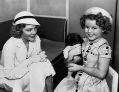 Alice Faye and Shirley Temple behind the scenes of Stowaway, With a Pekingese! Golden Age Of Hollywood, Classic Hollywood, Old Hollywood, Temple Movie, Shirly Temple, Alice Faye, Old Movies, Classic Movies, Famous People