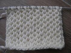 TUTO POINT NID D'ABEILLE PETIT RAYON DE MIEL AU TRICOT Honeycomb stitch knit - YouTube