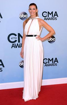 Faith Hill.......what? the roman look at a country music awards show?