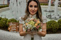 Pré Wedding - Ensaio de pré casamento em Aparecida do Norte - Paula e Henrique - Aparecida do Norte - SP Crown, Marriage Pictures, Farmhouse, Fotografia, Crowns, Crown Royal Bags