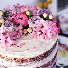 Flower-adorned Lemon and Raspberry Naked Layer Cake!  Pretty up your Sunday at #oneperfectmess