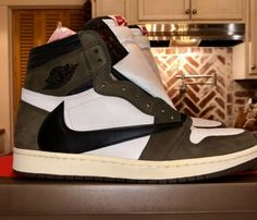 buy popular 5e2f9 93468 Air Jordan 1 High Og Travis Scott cactus jack Sp Size11 100%