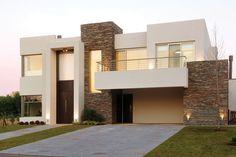 Más info y fotos en Fernández Borda Arquitectura. Más info y fotos en Dream House Plans, Modern House Plans, Modern House Design, Flat Roof House, Facade House, Villa Design, Home Fashion, House Colors, Exterior Design