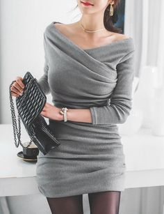 Stylish V-Neck Ruched Long Sleeve Sweater Dress For Women