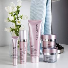 THE TIMEWISE REPAIR SET Restore what was lost and lift away the years with this scientifically innovative regimen that proves it's never too late to help rescue skin from the damage of the past and recapture a vision of youthfulness. The look of deep lines and wrinkles is reduced.Lifted facial contours appear restored.Youthful volume is recaptured.Even skin tone is revealed.Vital moisture is replenished. www.marykay.ch/Beautifulskin #antiageing#swiss#schweiz#skincare #woman #antiaging