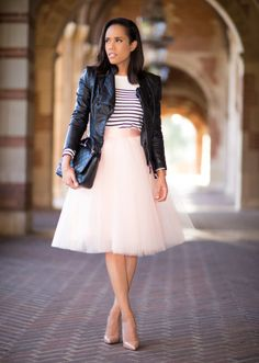 Rulle And Stripes Inspiration Outfit women fashion outfit clothing stylish apparel closet ideas Look Fashion, Fashion Show, Autumn Fashion, Glam Dresses, Fashion Dresses, Stylish Outfits, Cute Outfits, Tutus For Girls, Skirt Outfits
