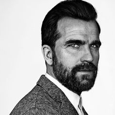 12 Hipster Mustache Styles for Modren Men - Be Snazzy Mens Haircuts Quiff, Cool Boys Haircuts, Quiff Hairstyles, Cool Hairstyles For Men, Hipster Mustache, Mustache And Goatee, Drop Fade Haircut, Hairstyles For Receding Hairline, Beard Trend