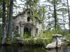 "The church ruins in the middle of the swamp, South Carolina. Scenes from ""The Patriot"" were filmed here."