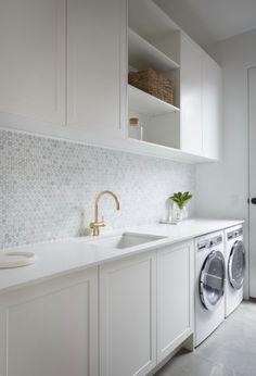 Julia & Sasha share kitchen, mudroom and laundry – The Interiors Addict - Modern Modern Laundry Rooms, Laundry Room Layouts, Laundry Room Organization, Laundry In Bathroom, Laundry Decor, Pantry Laundry Room, Basement Laundry, Laundry Storage, Modern Room