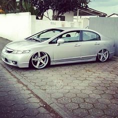 civic top dee mais !  via. @studiocars Parceiros . SIGAM@rebaixadoss SIGAM@floripafixa SIGAM@extremefloripa SIGAM@studiocars SIGAM  @legalizados SIGAM  @baixositajaisc SIGAM  @soosbaixossabem SIGAM  @fixados_br SIGAM  @cars_sokados SIGAM@floripa_de_arrasto SIGAM@aro18  #low #lowlife #lowered #lowcarb #ar #fixa #rosca #saveiro #ar #choraboy #dapper #stance #carrosbaixos #raspando #stancenations by lowfamilycars
