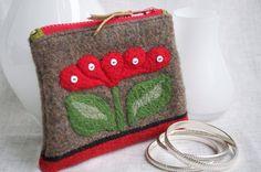 Darling wool purse