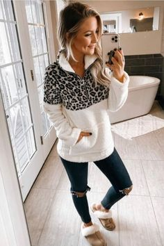 Trendy Winter Fashion Ideas Source by casual outfits Fall Winter Outfits, Autumn Winter Fashion, Winter Clothes, Today's Fashion Trends, Fashion Ideas, Fashion Tips, Pullover Outfit, Casual Outfits, Fashion Outfits