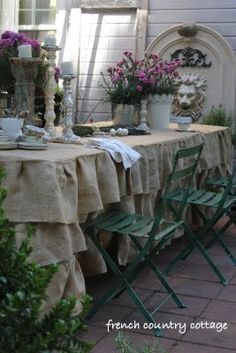 Youngsters Area Home Furnishings Burlap Ruffled Tablecloth - Outdoor Dining French Country Cottage, French Country Style, French Country Decorating, Cottage Style, Wood Cottage, Country Cottages, Cottage Farmhouse, Modern Country, Ruffled Tablecloth