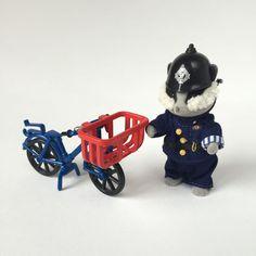 Vintage Sylvanian Families PC Bobby Roberts The Village Policeman w/ Bike RARE | eBay