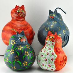 It was a recordbreaker cat gourd weekend! Here are a few new ones. Have a great week everyone!                                                                                                                                                      More