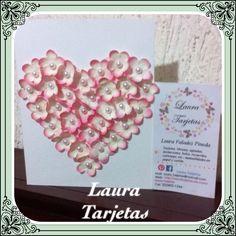 Hermoso corazón de flores en una tarjeta para Mamá. Hecho por Laura Tarjetas